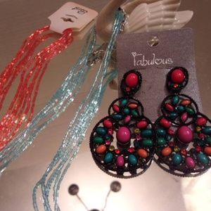 Nwts Fabulous earrings & 2 necklaces. M28-7